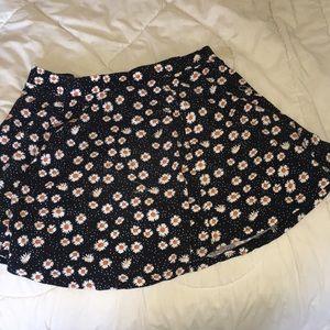 Dresses & Skirts - cute floral mini skirt